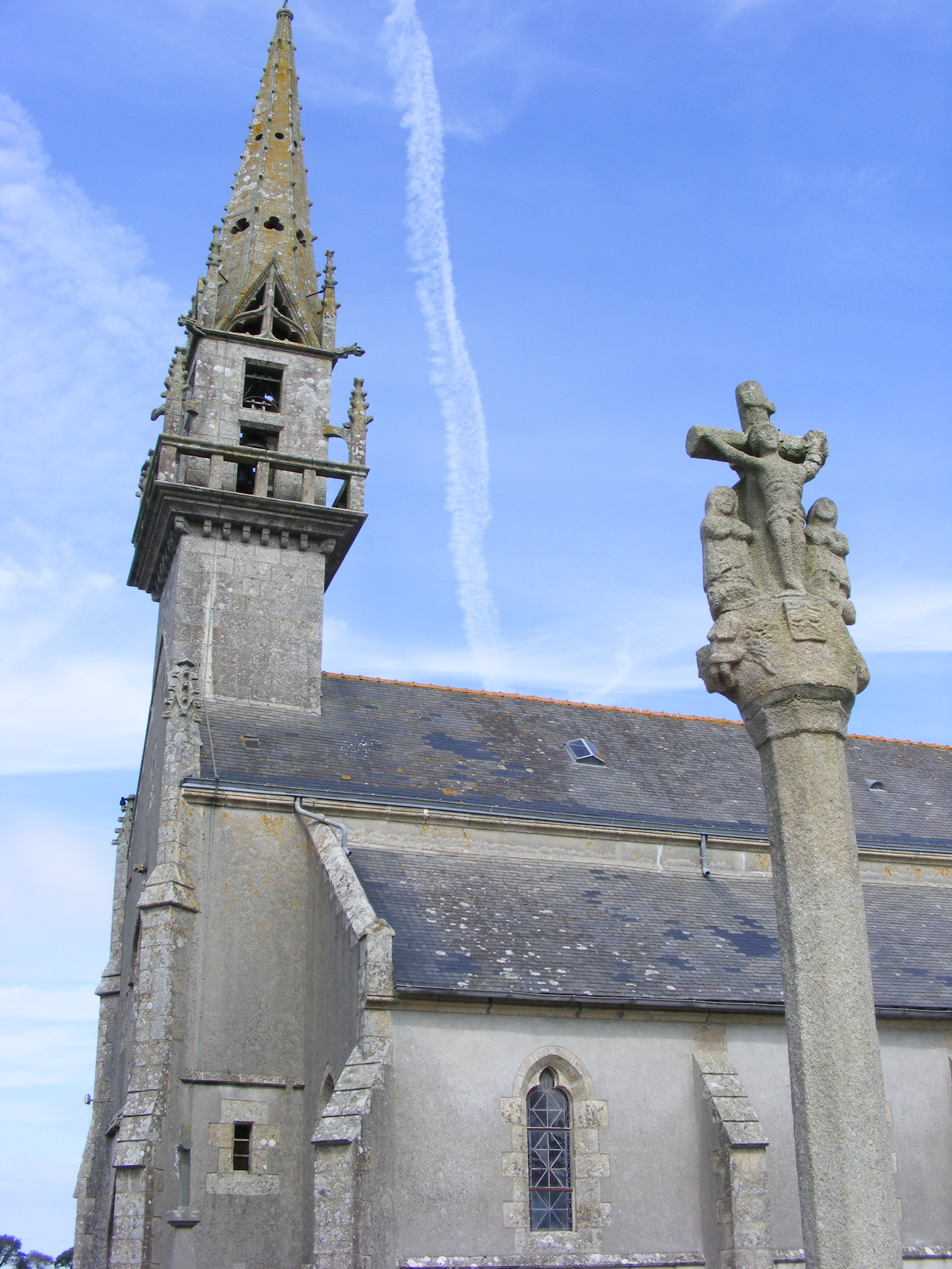 eglise-et-calvaire-guiler-sur-goyen